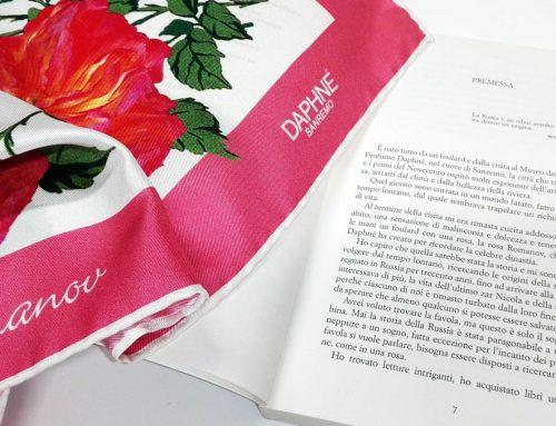 La Maison DAPHNÉ ricorda gli ultimi Romanov a 100 anni dalla scomparsa con un foulard e una rosa che diventano protagonisti di un libro.