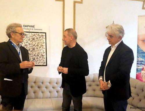 Il regista del Festival di Sanremo ospite della casa di moda DAPHNÉ